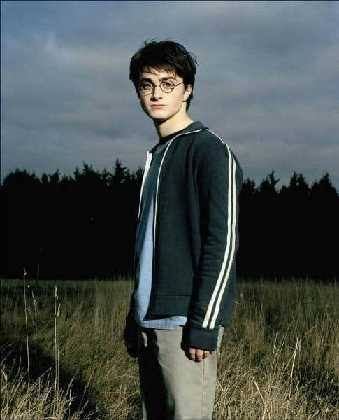 What Shoes Does Harry Potter Wear