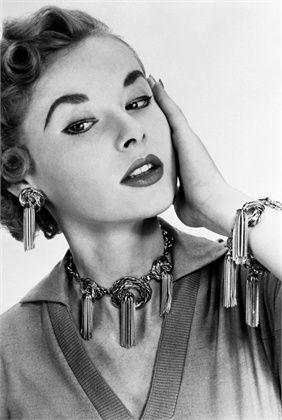 Classic vintage Jewelry Fashion