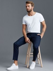white crew neck t shirt navy chinos white canvas low top sneakers large