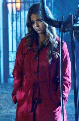 pretty-little-liars-red-coat.jpg
