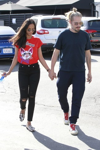 red-crew-neck-t-shirt-black-skinny-jeans-white-loafers-large-38035.jpg