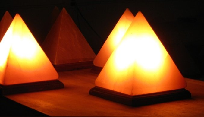salt-lamps-pyramid.jpg