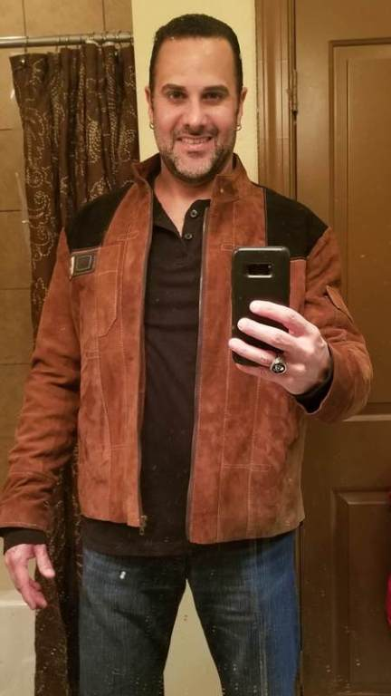 solo-a-star-wars-story-jacket-owner.jpg